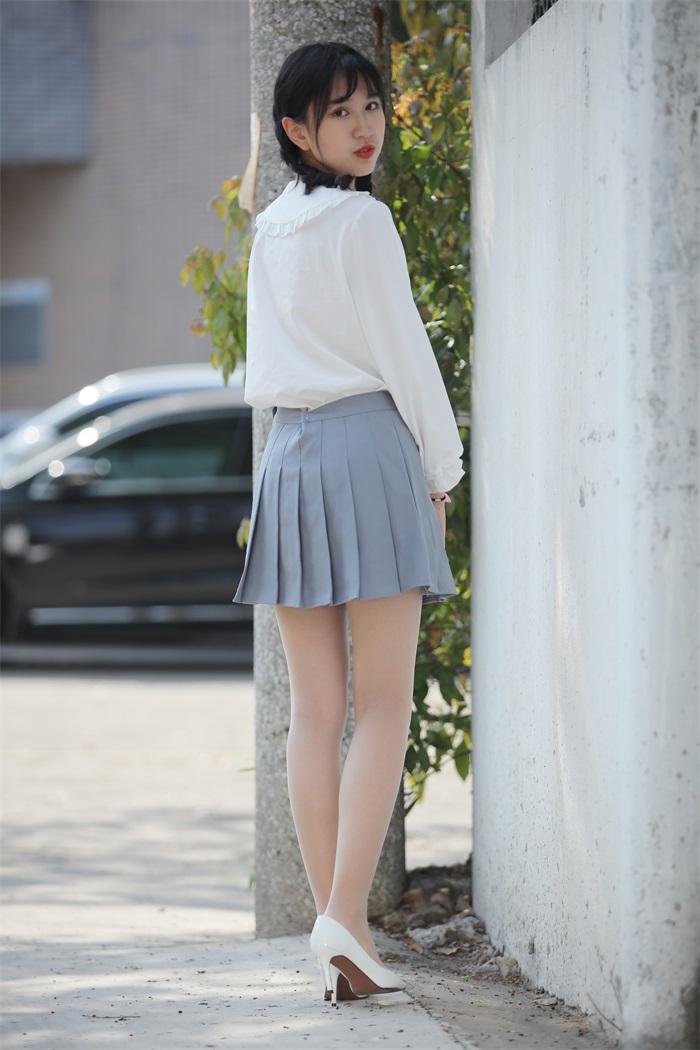 奈丝写真 NO.072:小橙子-扎马尾辫 穿白褶裙 [39P/312MB] 其它写真-第1张