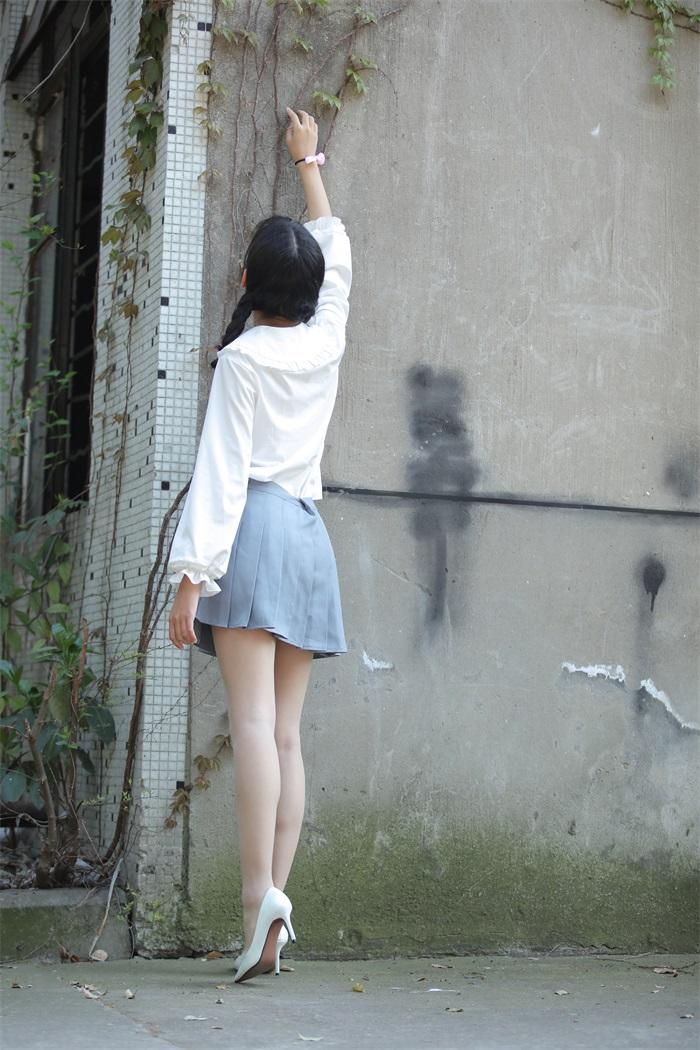 奈丝写真 NO.072:小橙子-扎马尾辫 穿白褶裙 [39P/312MB] 其它写真-第2张