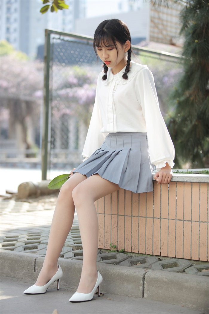 奈丝写真 NO.072:小橙子-扎马尾辫 穿白褶裙 [39P/312MB] 其它写真-第4张